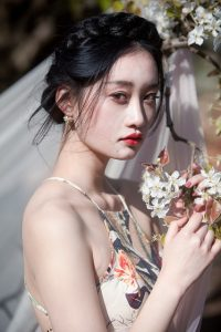 Luodong design a variety of wedding dress